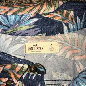 on the byas Shirts - Hollister & On The Byas button down shirts